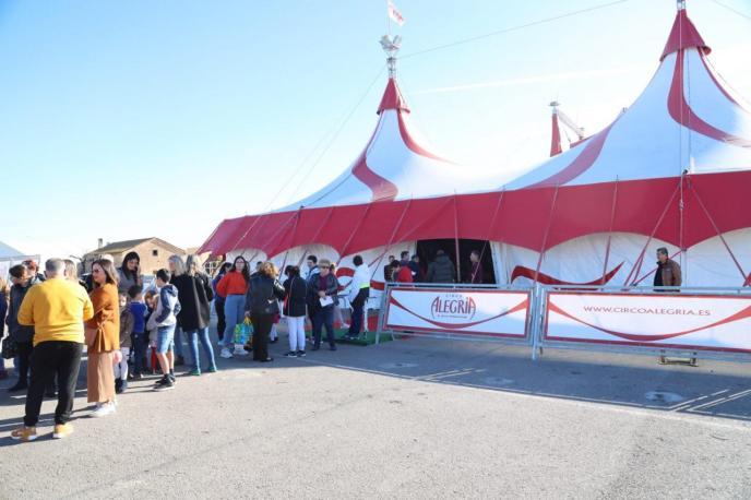 El espectáculo navideño del Circo Alegría ya está en Palma