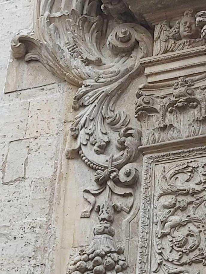 Inmóvil pero vigilante, la 'fauna urbana' corona las calles de Palma
