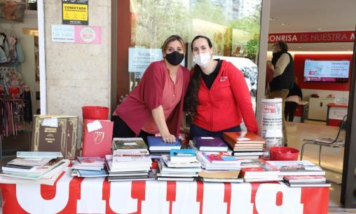 El 'Club' celebra Sant Jordi con una firma y venta de libros